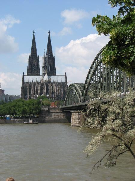K_lner_Dom_ved_Rhinen_og_Hohenzollenbr_cke_03b2d818a9