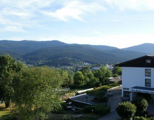 Best Western Hotel, Sonnenhof, Himmerige i Sydtyskland.I Lam.vi var der sammen med vores to dejlige børnebørn, som lige havde mistet deres mor og vi vores datter.Vi havde en rigtig god oplevelse sammen med god mad, dejligt hotel og skøn natur, den ferie glemmer jeg aldrig